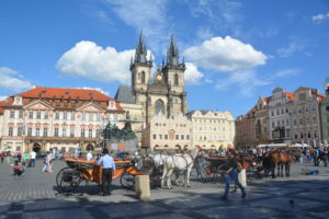 voyage17_prague_old_town_square